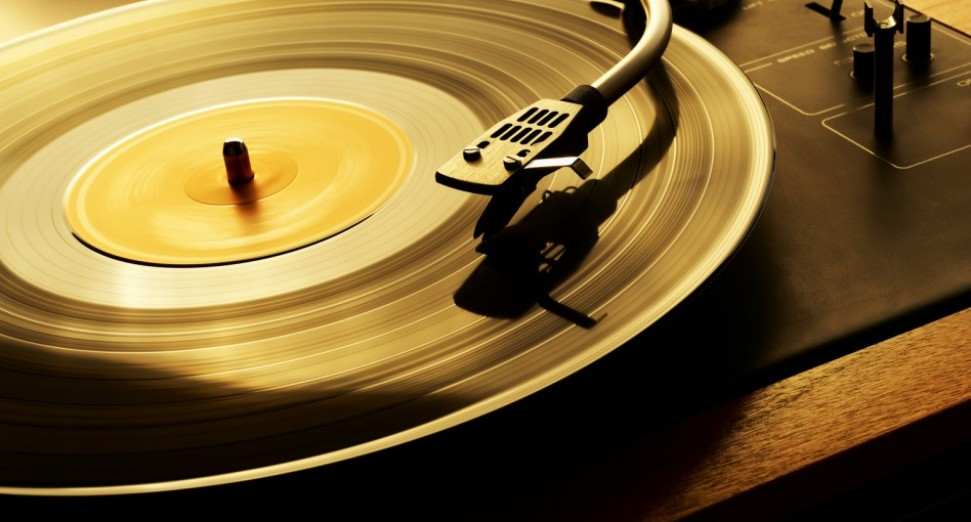 You can now buy records via the Discogs iOS app